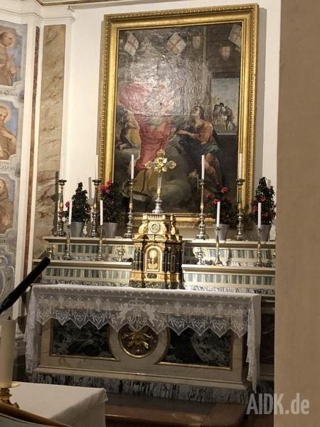 Assisi_ChiesaNuova_Kreuz_Altar
