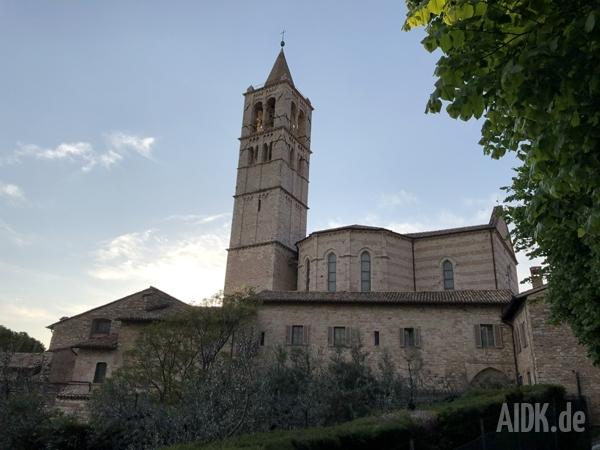 Assisi_SantaChiara_Kirche4