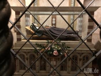 Assisi_SantaChiara_Kirche11