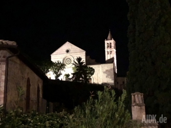 Assisi_SantaChiara_Kirche15