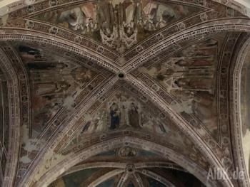 Assisi_SantaChiara_Kirche9