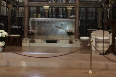 Assisi_SantaChiara_Altar