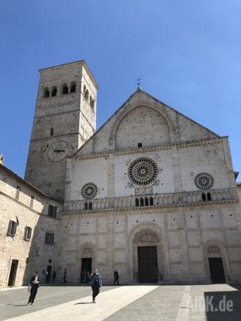 Assisi_SanRufino_Kirche1