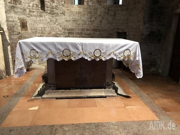 Assisi_SanStefano_Altar