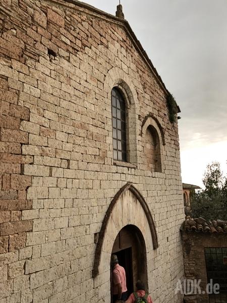 Assisi_SanStefano_Kirche1