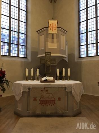 Freudenstadt_Stadtkirche_Ambo2