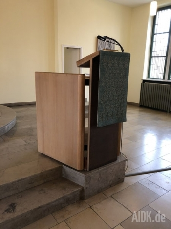 Fulda_Lutherkirche_Ambo1