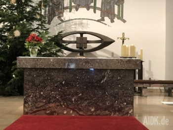 Fulda_StJoseph_Altar_Kreuz_Tabernakel