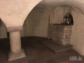 Fulda_StMichael_Altar_Kreuz1