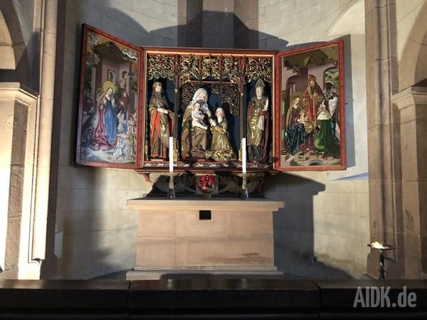 Gelnhausen_Marienkirche_Altar3