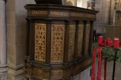 Gelnhausen_Marienkirche_Ambo1