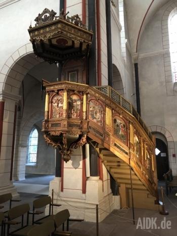 Goslar_Marktkirche_Ambo2