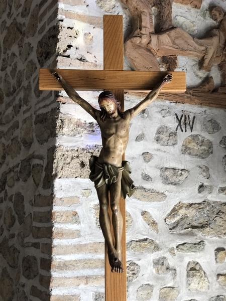 Greccio_KircheUnbefleckteEmpfaengnis_Kreuz1