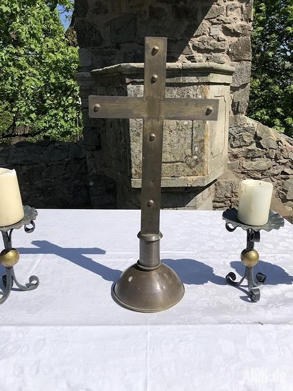 Kleinsassen_GangolfskapellePlatz_Kreuz