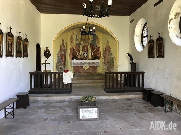 Kleinsassen_Gangolfskapelle_Kirche2