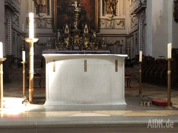 Konstanz_MuensterUnsererLiebenFrau_Altar1