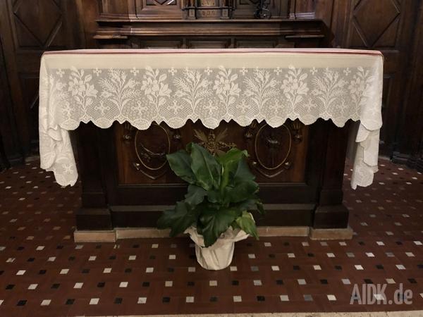 MonteLuco_CappellaDelleConfessioni_Altar1