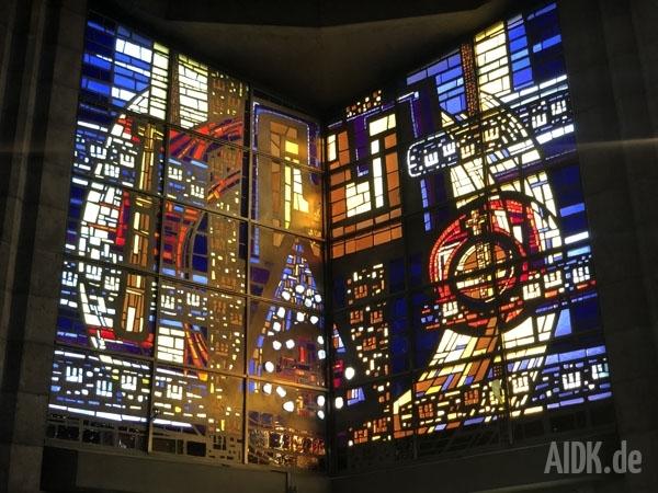Rottenburg_MariaKoenigin_Kirchenfenster2
