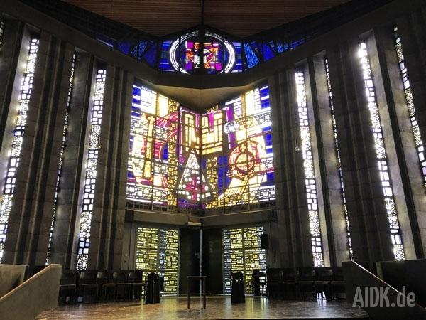 Rottenburg_MariaKoenigin_Kirchenfenster4