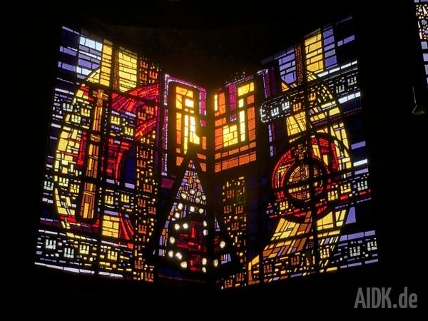 Rottenburg_MariaKoenigin_Kirchenfenster9