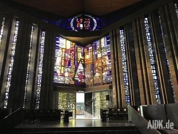 Rottenburg_MariaKoenigin_Kirchenfenster