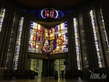 Rottenburg_MariaKoenigin_Kirchenfenster5