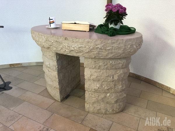 SchwaebischHall_Autobahnkapelle_Christophorus_Altar