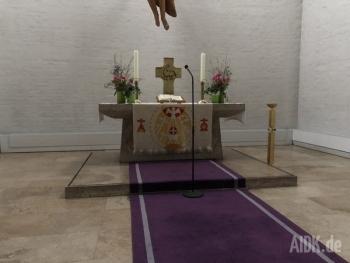 Stuttgart_Christuskirche_Altar1