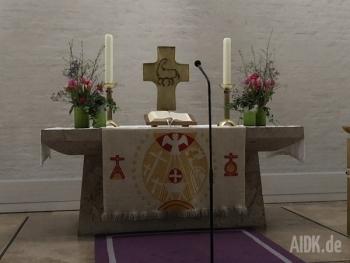 Stuttgart_Christuskirche_Altar2