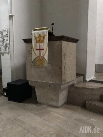 Stuttgart_Christuskirche_Ambo