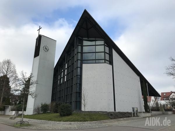 Stuttgart_HlKreuz_Kirche7