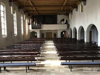 Stuttgart_MariaeHimmelfahrt_Kirche2