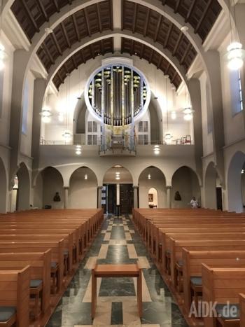 Stuttgart_StFidelis_Kirche2