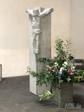 Stuttgart_StJosef_Kreuz1
