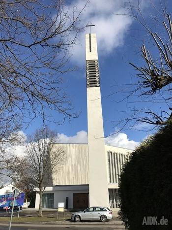 Stuttgart_StThomasMorus_Kirche