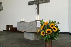 Stuttgart_StThomasMorus_Altar2
