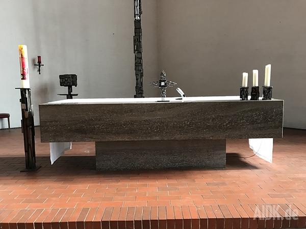 Stuttgart_StVinzenzPallotti_Altar1