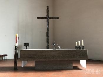 Stuttgart_StVinzenzPallotti_Altar2