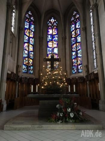 Tuebingen_StJohannesEvangelist_Altar2